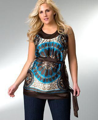 Plus Size Trendy Tops for Women (List of 10 Ideas)