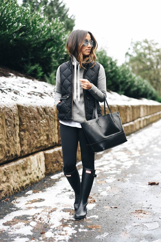 What to Wear in the Snow 13 Cute, Warm \u0026 Dry Outfit Ideas